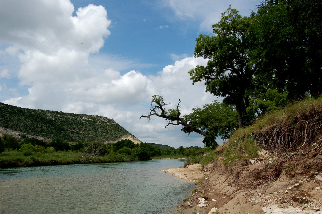 Llano River Fishing Access Places to Fish on the Llano Places to stay on the Llano River